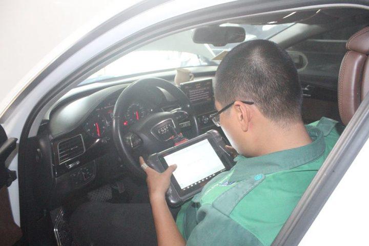 Cách xử lý báo lỗi túi khí xe BMW 530