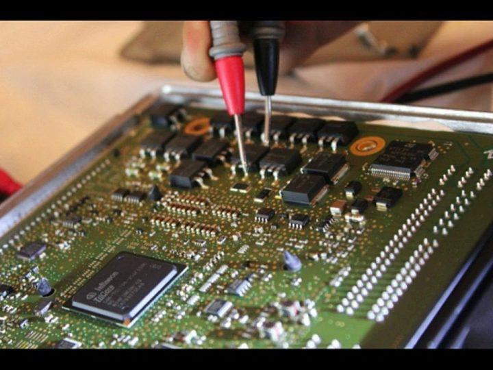 Chuyên sửa hộp điều khiển Ecu BMW 520