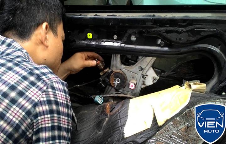 Lỗi hệ thống động cơ xe BMW 428 kêu to
