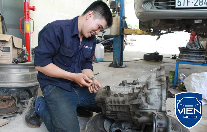 Sửa hộp số ô tô BMW 530